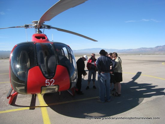 Video Las Vegas Helicopter To Bottom Of The Canyon